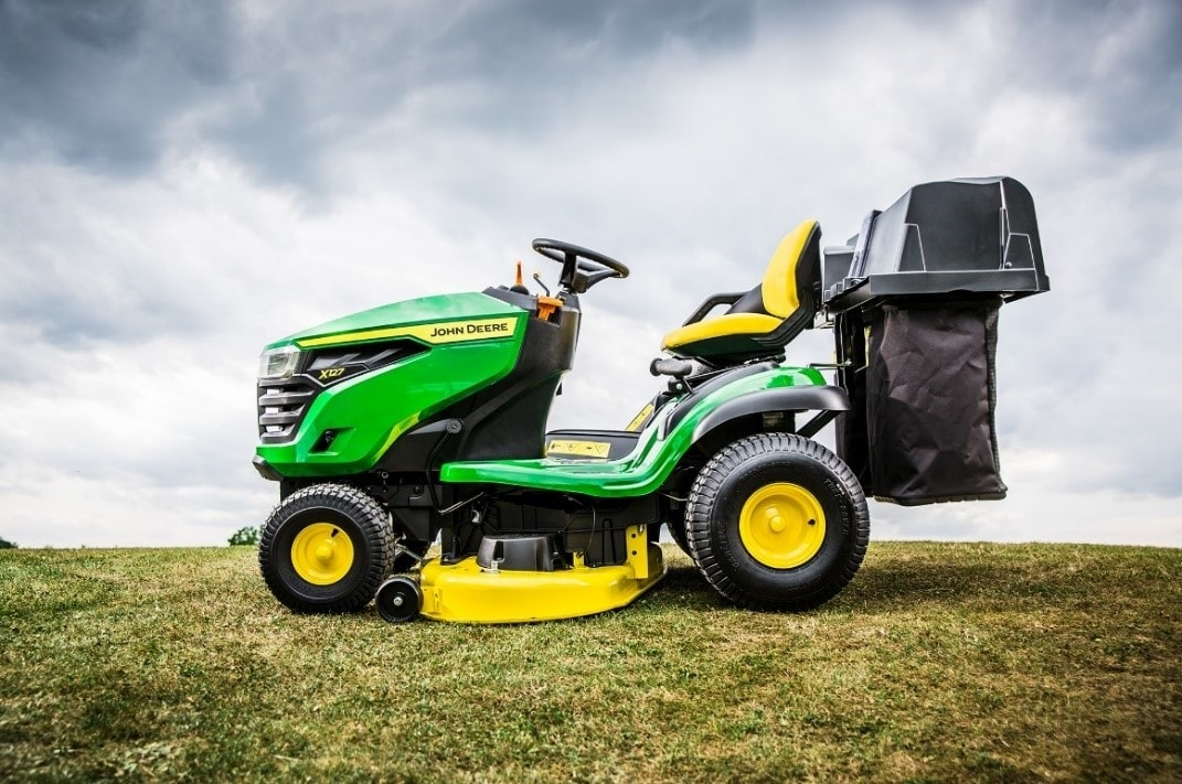 John Deere is introducing new features and updates to lawn tractors for 2021